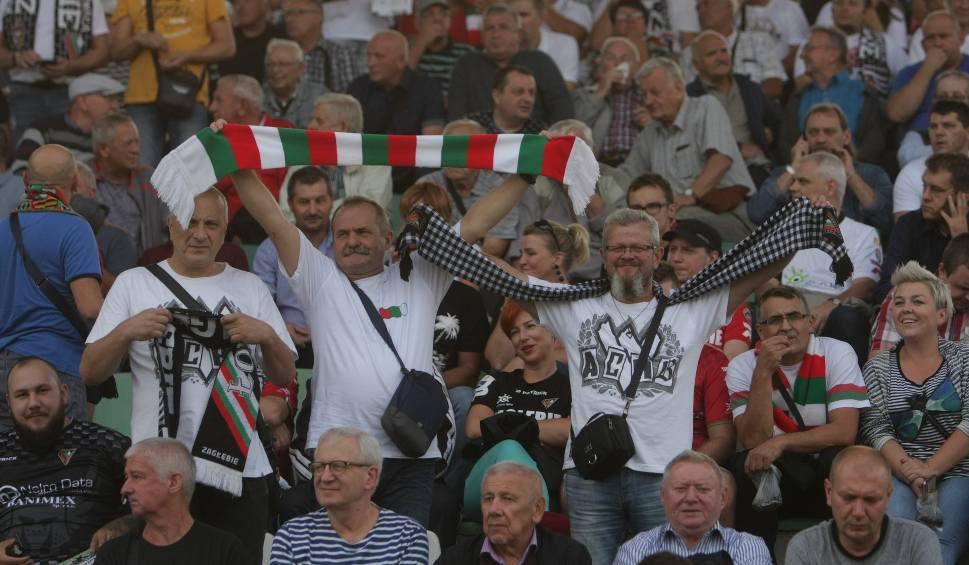 Film do artykułu: Remis 1:1 w meczu Zagłębie Sosnowiec - Górnik Zabrze obejrzało 5 tys. kibiców ZDJĘCIA KIBICÓW