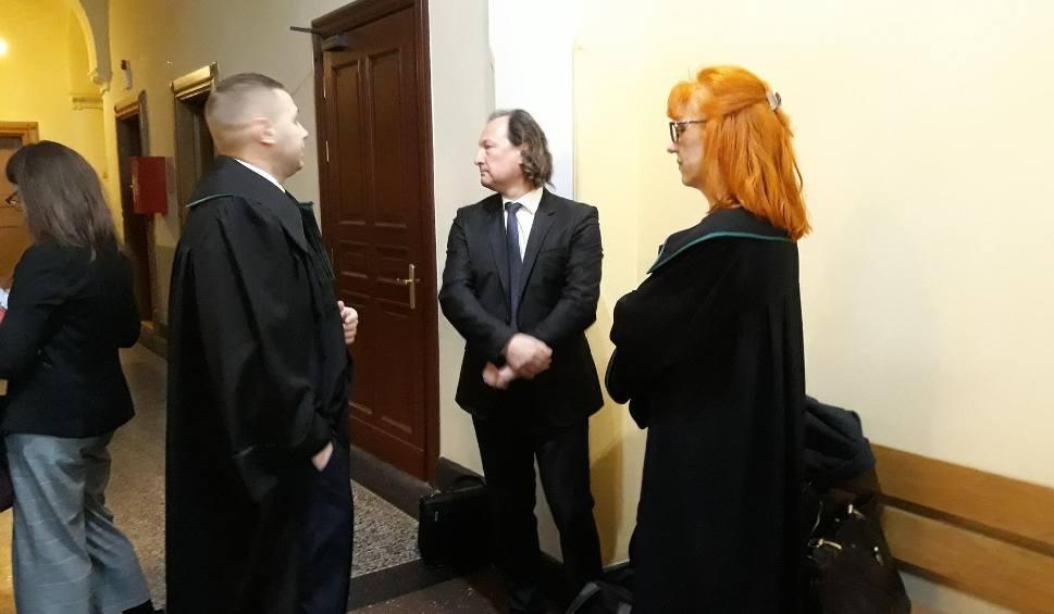 Film do artykułu: Robert Skraburski, były wójt gminy Rewal, w sądzie. Naraził gminę na stratę 21 mln zł? [WIDEO]