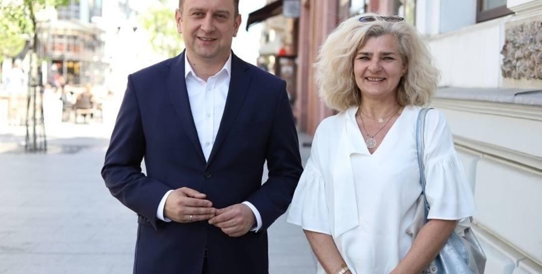 Tomasz Trela, wiceprezydent Łodzi oraz Iwona Oszczepalska z wydziału edukacji UMŁ.
