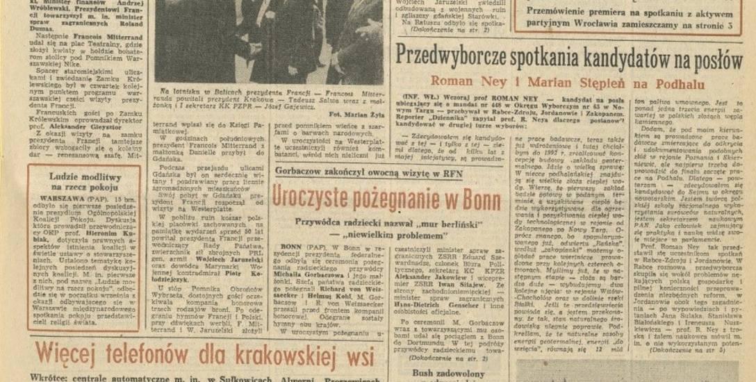 """Mitterand spotkał się ze studentami na Uniwersytecie Jagiellońskim, gdzie stwierdził, że nie należy """"wyrzucać socjalizmu przez okno"""""""