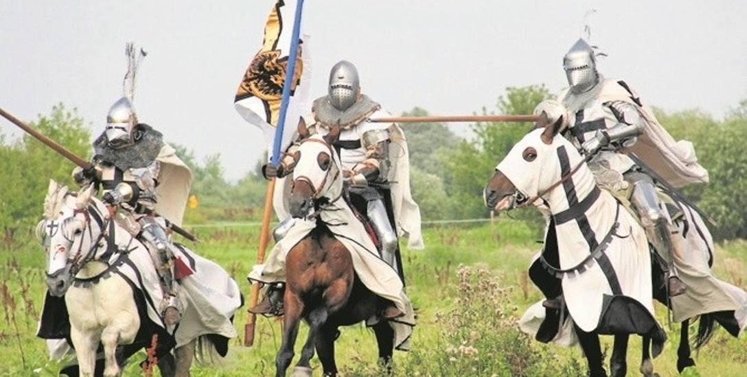 W powstaniu filmu pomogły polskie grupy rekonstrukcyjne - oto konnica krzyżacka w charakterystycznym rynsztunku