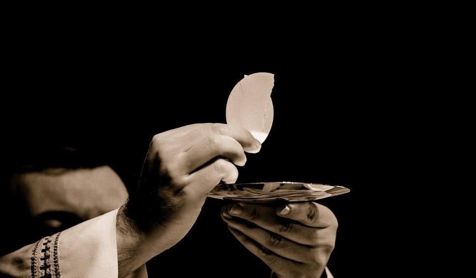 Film do artykułu: Takie emerytury mają księża. Zobaczcie stawki tego świadczenia duchownych [15.05.21 r.]
