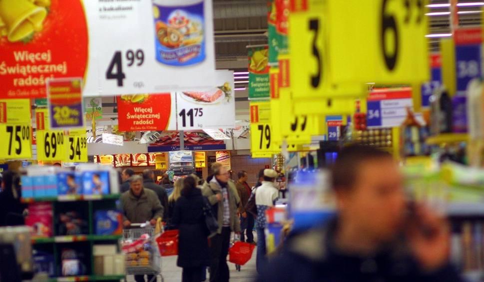 Film do artykułu: Ceny zakupów na święta LIDL BIEDRONKA AUCHAN TESCO Sprawdź, gdzie najtaniej zrobić zakupy na Boże Narodzenie