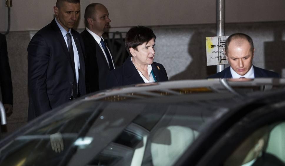 Film do artykułu: Premier zeznawała w prokuraturze. Przed budynkiem czekali protestujący