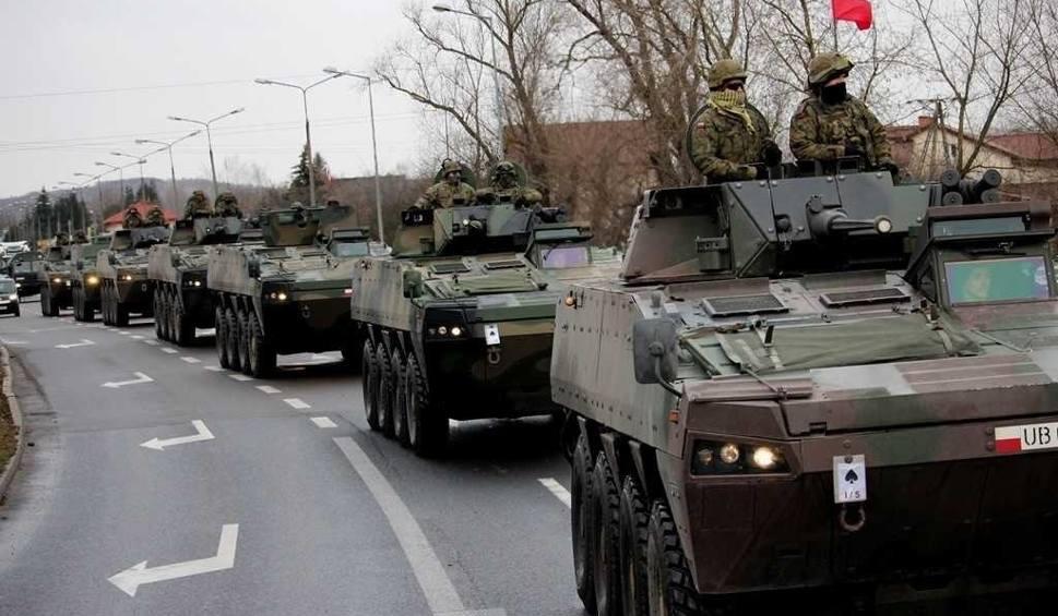 Film do artykułu: Uwaga, kierowcy z woj. lubelskiego! Wzmożony ruch kolumn wojskowych na drogach regionu