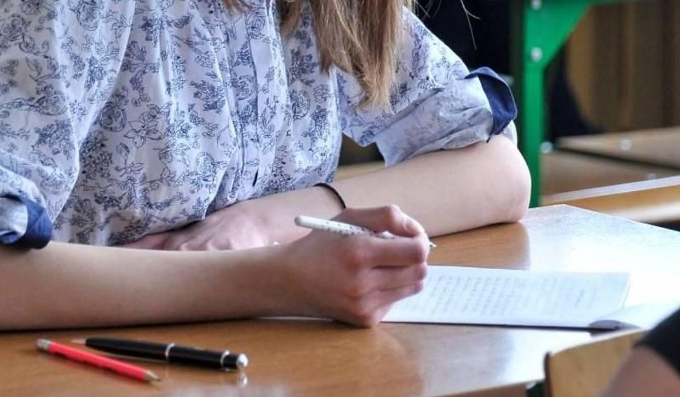 Film do artykułu: Matura próbna 2015/15 OPERON - j. polski. Odpowiedzi, arkusze, test