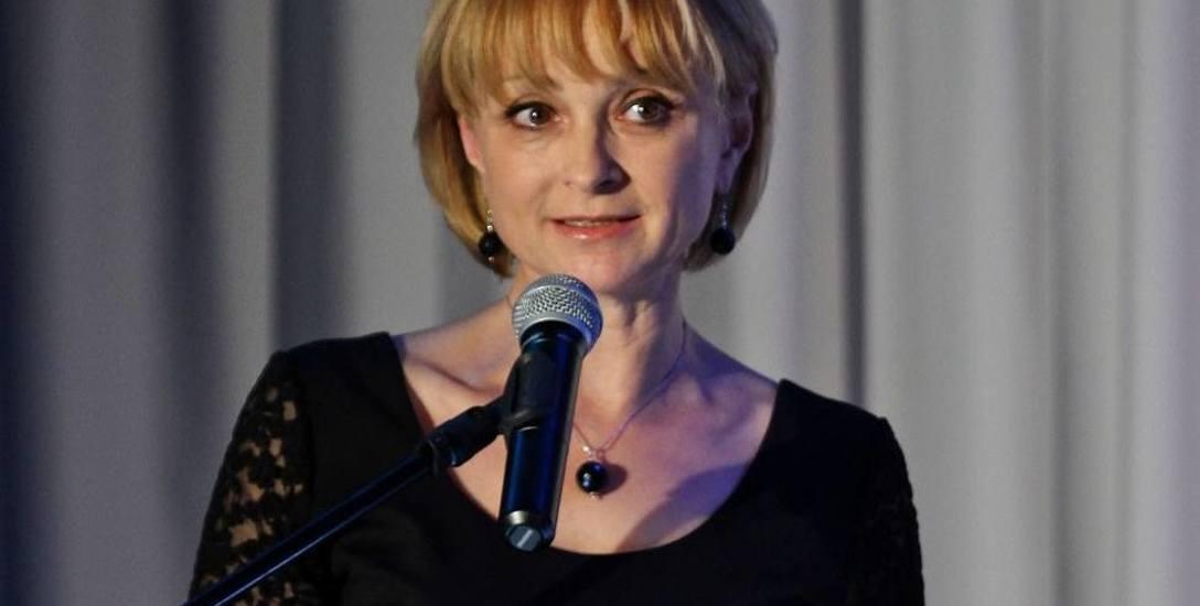 Anna Mieczkowska (PO, Kołobrzescy Razem) miała w programie wyborczym Kartę Mieszkańca, która: - Ma się stać ważnym elementem polityki promocyjnej i społecznej