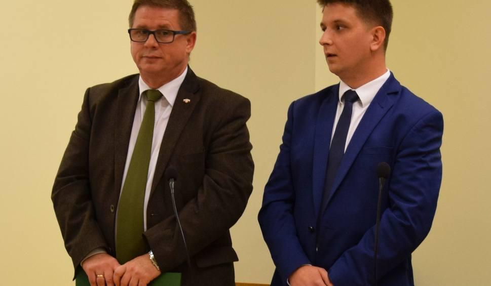 Film do artykułu: Działacze PiS odwołują się od wyroku Sądu Okręgowego w Radomiu w sprawie, którą założył im Konrad Frysztak, wiceprezydent Radomia