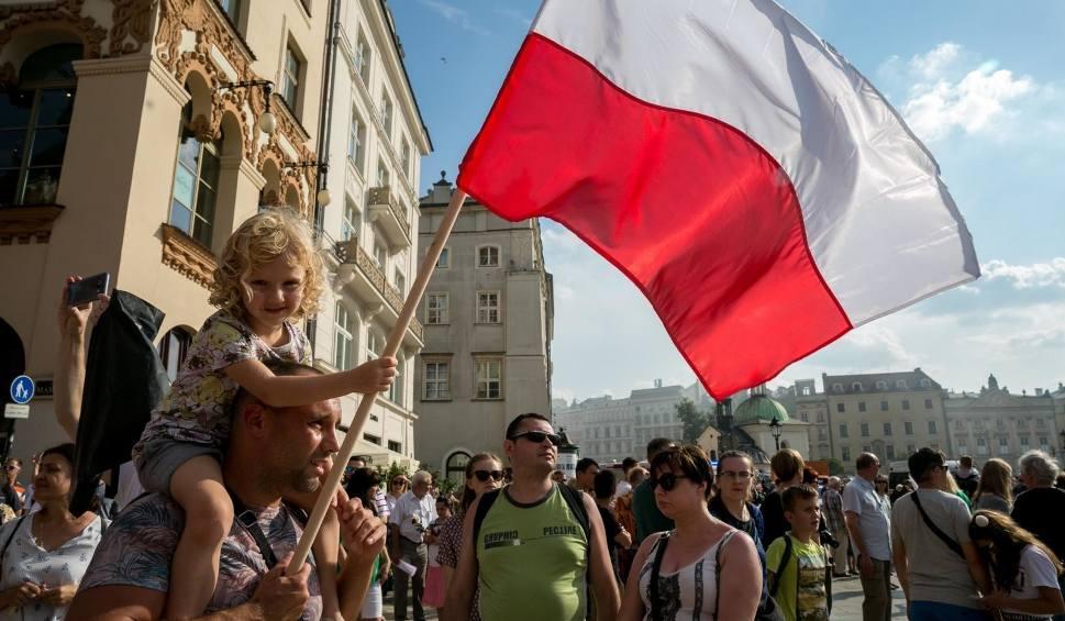 Film do artykułu: 12 listopada będzie wolny od pracy? W tym tygodniu decyzja Sejmu