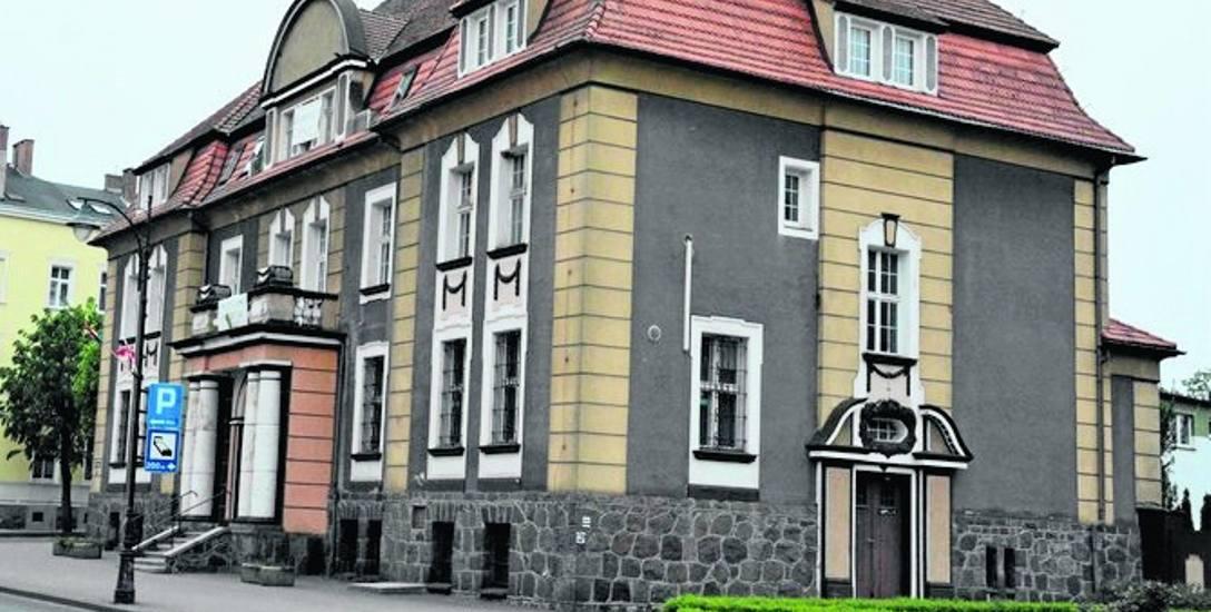 Powiat drawski zamierzakupić byłą siedzibę PKO BP przy ul. Piłsudskiego w Drawsku Pomorskim. Za 992 tys. złotych.