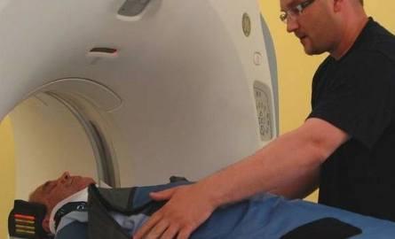 Tomograf komputerowy kosztował prawie 1,76 mln zł. Dodatkowo samo przygotowanie pracowni w szpitalu w Oleśnie kosztowało ponad 300 tysięcy złotych.