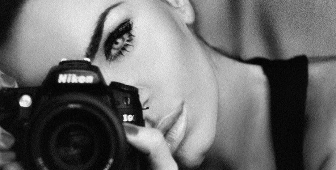 """- Żyje się raz i powinno się żyć pełną piersią - mówi 32-letnia Anna Szubert, fotografka i modelka, autorka bestselleru """"Jak zabiłam swojego raka"""""""
