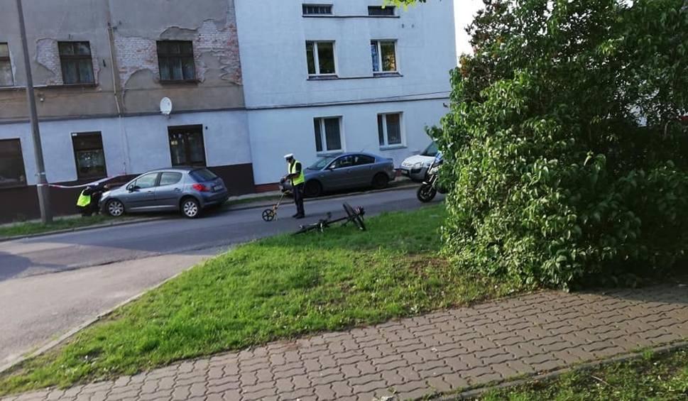 Film do artykułu: Policja i prokuratura wyjaśniają okoliczności tragedii na Szwederowie, gdzie doszło do potrącenia 11-letniego rowerzysty