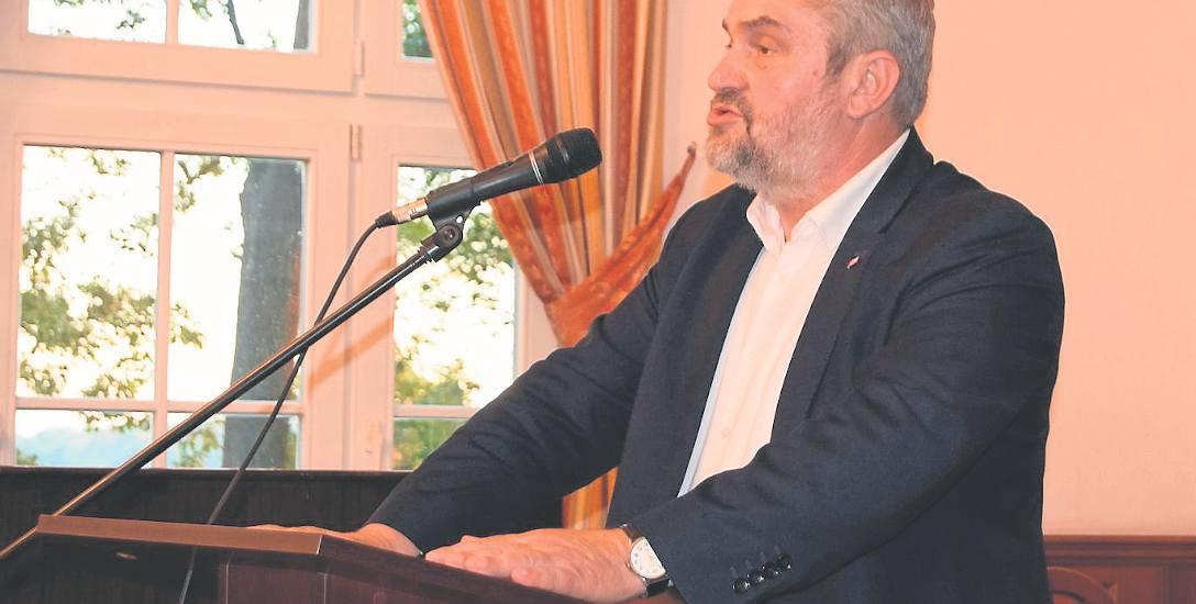 Minister rolnictwa Krzysztof Ardanowski w Szczecinku zachęcał także rolników do tworzenia spółdzielni i grup producenckich