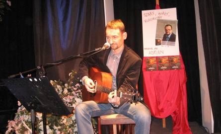 Śpiewał Rafal Błędowski.