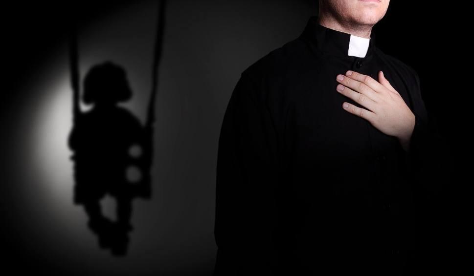 """Film do artykułu: Pedofilia w kościele. Raport Fundacji """"Nie lękajcie się"""" posiada toruńskie wątki"""