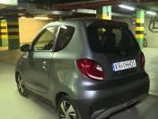 Chiński mini-samochód na prąd. 4 zł za przejechanie 100 km (video)