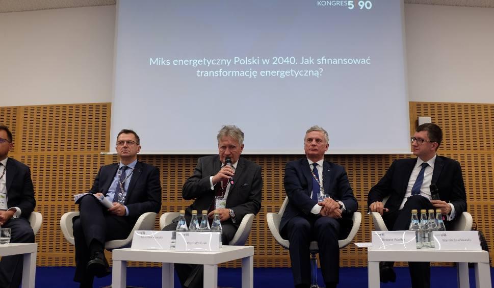 Film do artykułu: Gaz, wiatr, słońce, atom, węgiel? Z czego Polska będzie czerpać energię za 20 lat?
