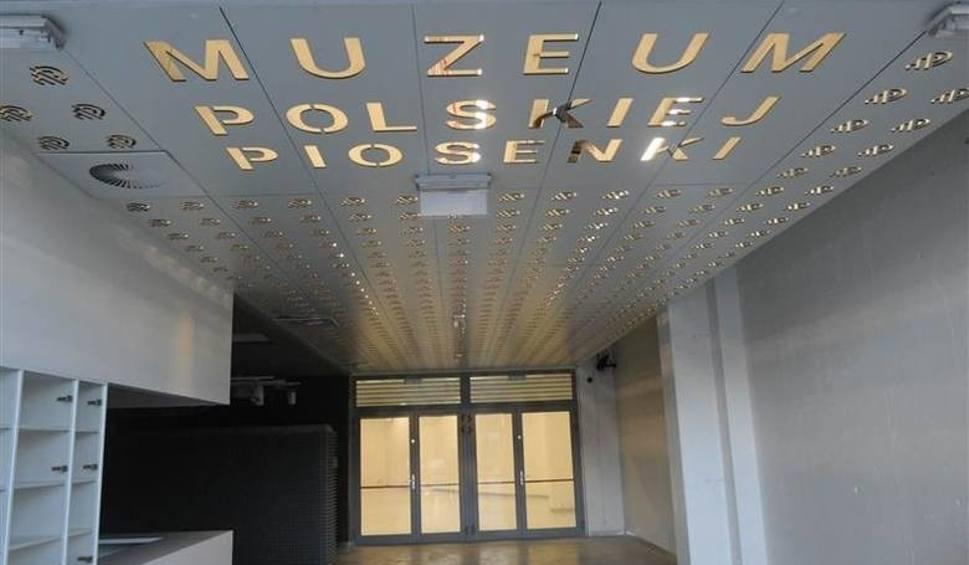 Film do artykułu: Kolejny poślizg w Muzeum Polskiej Piosenki