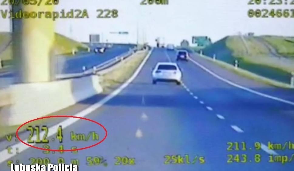 Film do artykułu: Pirat mknął audi trasą S3 z prędkością 212 km/h! Zatrzymali go policjanci z Wydziału Ruchu Drogowego działający w grupie SPEED