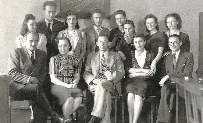 Część pracowników Zarządu Miejskiego - 13 czerwca 1945 roku