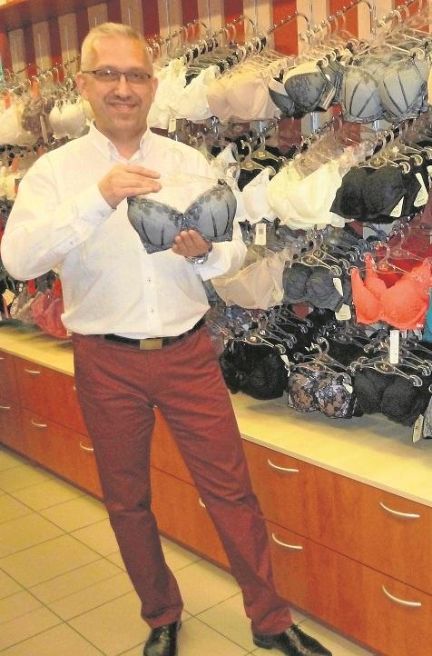 Każda kobieta lubi mieć dobrze dobraną, piękną i pasującą do sylwetki bieliznę - mówi Sławomir Kazimierczak, brafitter z Radomia.
