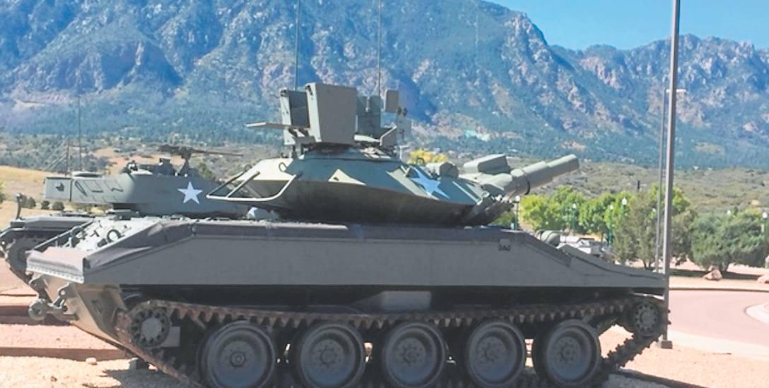 Sprzęt wojskowy w Fort Carson w Kolorado