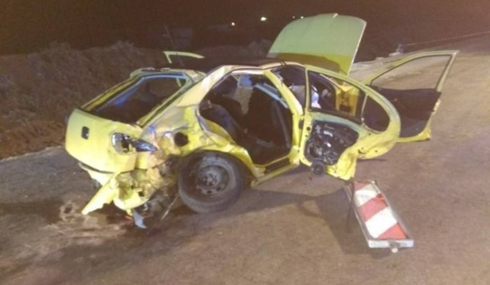 Film do artykułu: Wypadek w Bilczy. Czołowe zderzenie seata i auta dostawczego. Nie żyją dwie młode osoby, trzy są ranne
