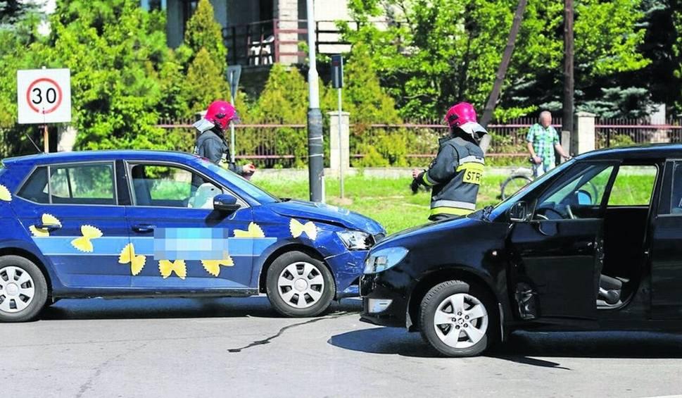 Film do artykułu: Groźnie na drogach Stalowej Woli. Ranny kierowca i rowerzysta