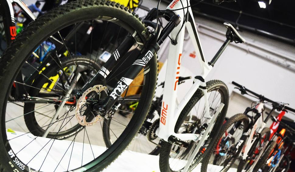 Film do artykułu: Nawet kilkanaście tysięcy za rower już nie dziwi. Polacy coraz częściej decydują się na zakup roweru elektrycznego