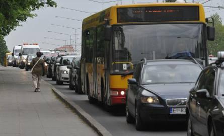 Szykują się rewolucyjne zmiany dla kierowców i właścicieli samochodów. Pojawił się projekt zmian w ustawie o ruchu drogowym. Gdy przepisy wejdą w życie