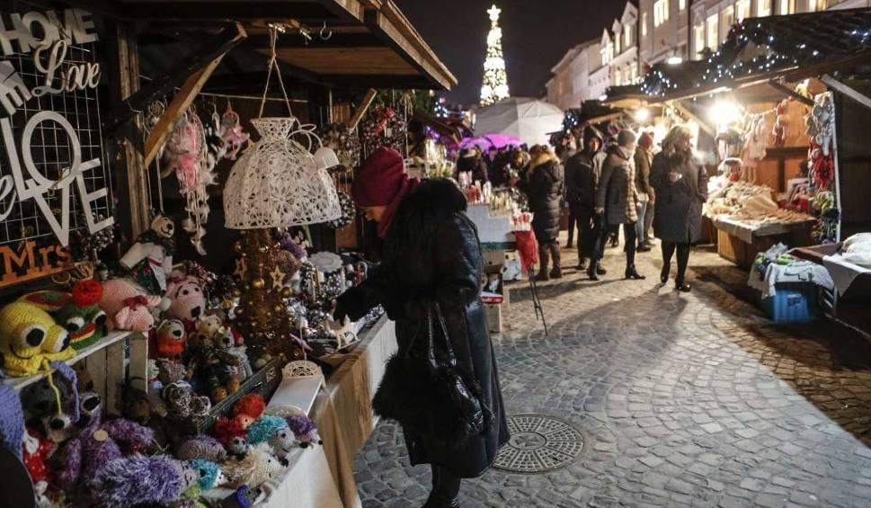 Film do artykułu: Jarmark świąteczny 2018 w Rzeszowie. Atrakcje, kuchnia, zabawy