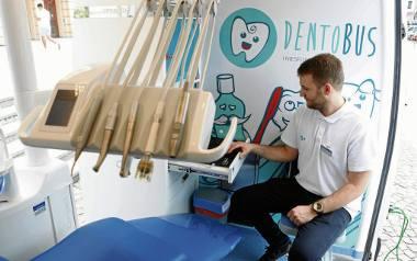 Dentobus dla uczniów ma zastąpić stomatologów w gabinetach
