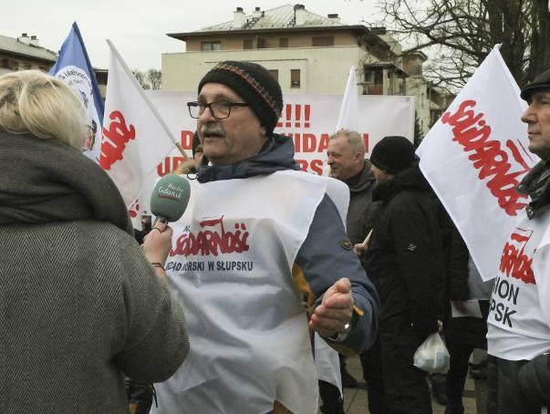 Protest związkowców i pracowników Urzędu Morskiego