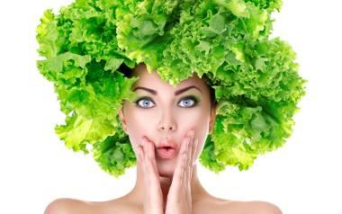 Spożywanie sałaty pozytywnie wpływa na urodę, a co za tym idzie – także samopoczucie
