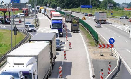 Wreszcie dzieje się coś konkretnego w temacie przebudowy najbardziej problemowego i ruchliwego odcinka autostrady A4 Wrocław - Legnica - Krzyżowa. Do