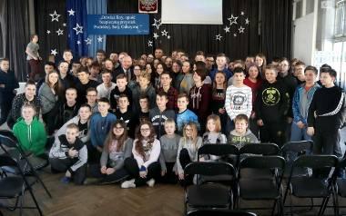 Prezydent Piotr Krzystek poprowadził lekcję w Szkole Podstawowej nr 51 w Szczecinie. Młodzi chcą uczestniczyć w życiu miasta