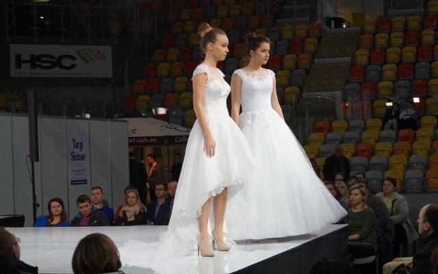 f9cd45385e518c Targi ślubne 2018 w Częstochowie. Suknie ślubne, samochody do ślubu, torty  i weselne. galeria