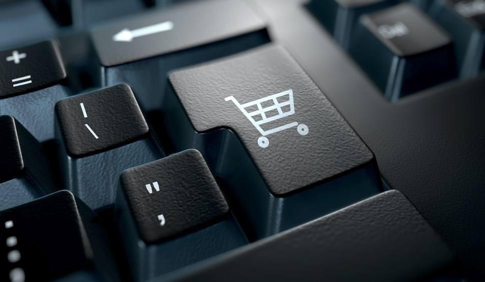 Film do artykułu: Mieszkanka gminy Rytwiany oszukana podczas zakupów w sieci