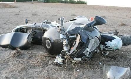 Kierujący motocyklem wraz z pasażerem trafili do szpitala w Toruniu.