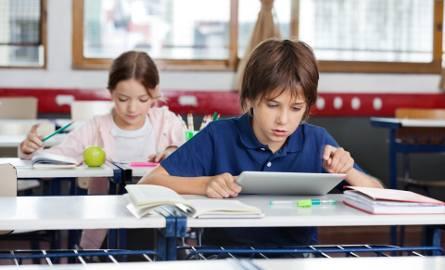 KLASY 4-8Na tym etapie zacznie się nauczanie przedmiotowe. Istnieje możliwość, by jeszcze w czwartej klasie z uczniami pozostał ten sam wychowawca, który