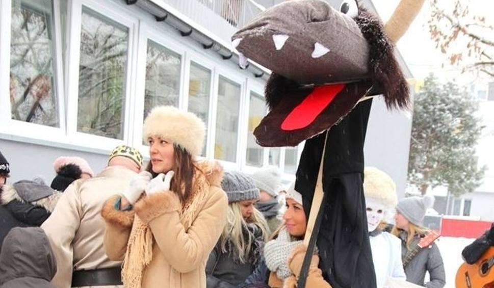 Film do artykułu:  Kolędnicy i przysłowia na Nowy Rok w Stalowej Woli