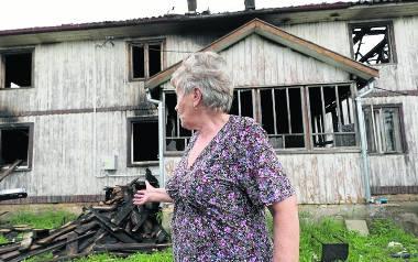 Pożar domu w Żywkowie. Muszą zaczynać od początku. Ogień strawił ich dom