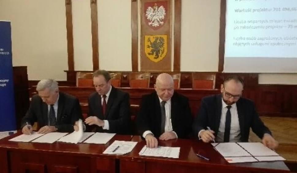 Film do artykułu: Powiat Słupski z dofinansowaniem na rozwój usług społecznych