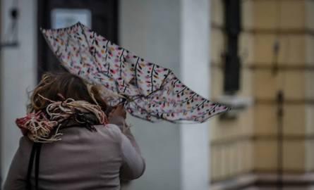 huragan denis, silne wiatry, ostrzeżenie IMGW