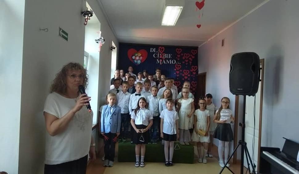 Film do artykułu: Szkołę w Wymysłowie poprowadzi gmina Kunów. Dyrektor rezygnuje z końcem roku szkolnego