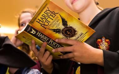 """Nawet w literaturze uzupełniającej nie ma """"Harry'ego Pottera"""""""