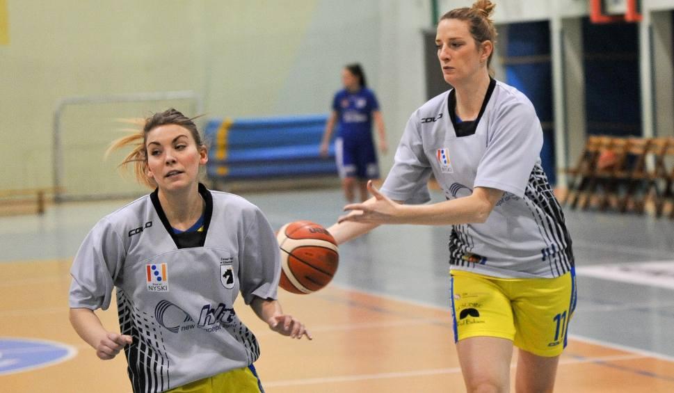 Film do artykułu: Chrobry Basket Głuchołazy znowu pokonał Tęczę Leszno po dogrywce