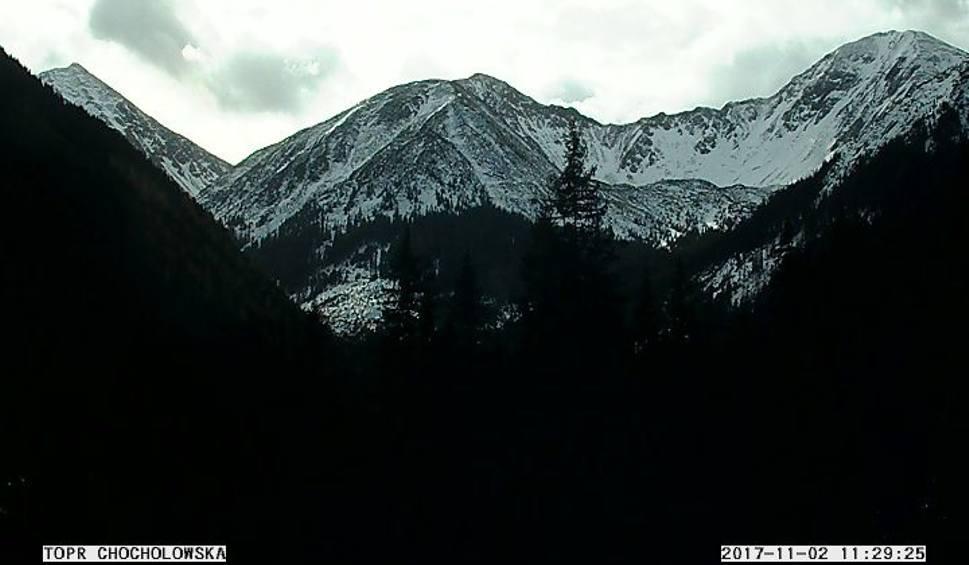 Film do artykułu: Zakopane. W Tatrach pojawili się pierwsi narciarze. TOPR ostrzega