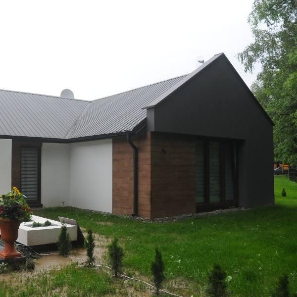 Na utrzymanie i wyposażenie dachu nad głową statystyczna trzyosobowa rodzina wydaje o 17 złotych więcej niż rok temu.